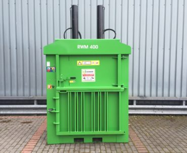 'AS NEW' RWM 400 mill size baler