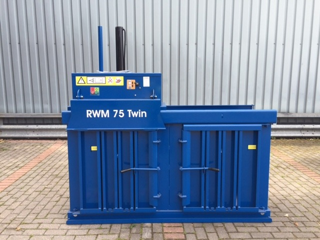 Refurbished twin-chamber waste baler – handle two waste streams at once!