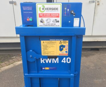 NEW IN: Used RWM40 compact waste baler