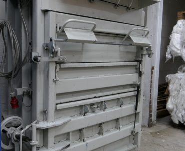 Used high-performance mid-sized baler – fantastic condition!